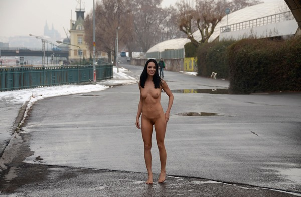 babe-nude-in-public-under-the-bridge