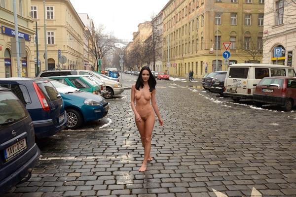 nude-in-public-pics