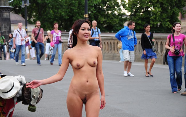 public-nude-videos